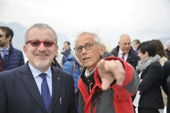 maroni-presidente-lombardia-e-christo.jpg